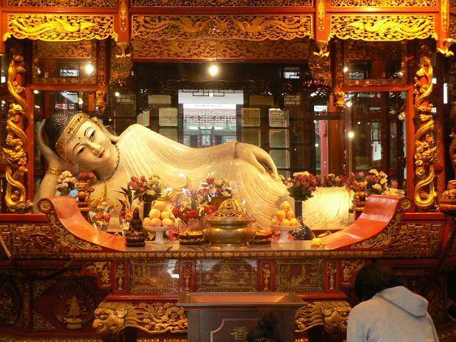 Китай Шанхай: Храм Нефритового Будды