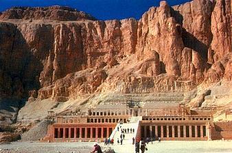 Храм царицы Хатшепсут. Начало XV в. до н.э. Дейр эль-Бахри.