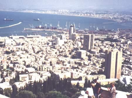 Израиль. Хайфа. Вид со стороны Бахайского храма. З. Вайнтруб