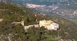 Израиль. Гора Кармель. Мухрака. Кармелитский монастырь и вид на Изреэльскую долину