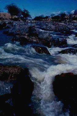Великая река Руаха.
