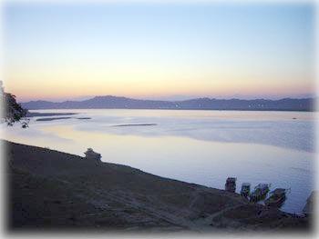 Закат над Иравади