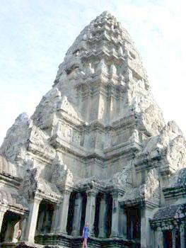 Знаменитый Ангкор Ват - эмблема флага Камбоджи