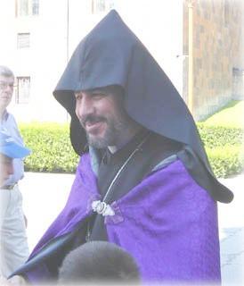 Армяно-григорианский монах в Эчмиадзине
