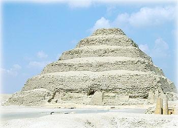 Ступенчатая пирамида Джосера в Саккаре