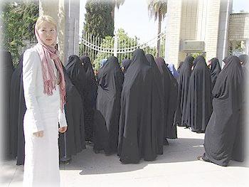 В женском обществе, Тегеран