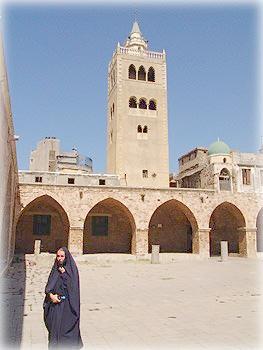 Моя жена - на минутку мусульманка в Триполи